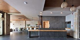 Diapori Suites Hotel